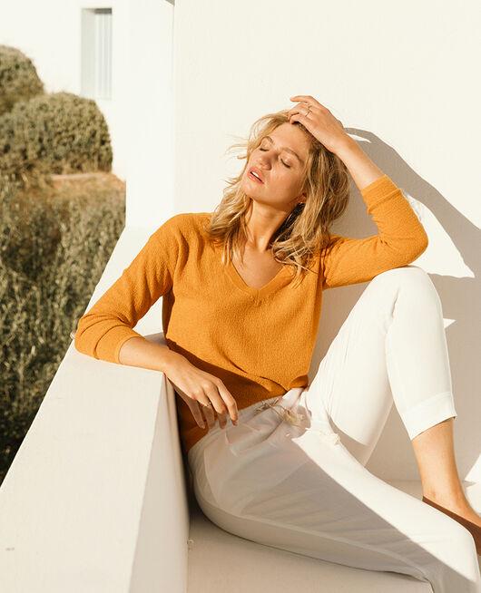 Pullover mit V-Ausschnitt Sahara Gelb MAJORELLE