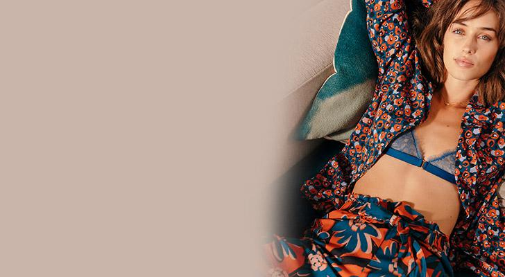Crépuscule, der Flowerpower-Pyjama
